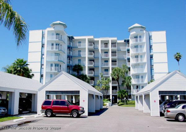 Lighthouse Pointe #305